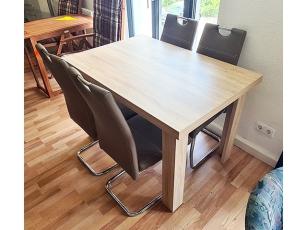 Esstisch Ausziehbar Glänzend Nussbaum 4 Stühle Gepolstert Gebraucht