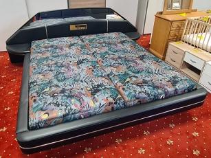 Boxspringbett mit Matratze und Holzfüßen grau (gebraucht)