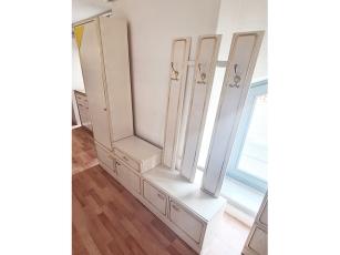Garderobe mit Spiegel [4-teilig] zwetschke/glänzend-weiss (gebraucht)