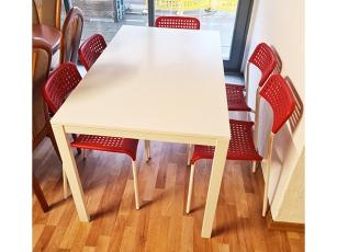 Moderne Essecke + Tisch ausziehbar + Stuhl gepolstert sonoma-eiche/grau meliert (gebraucht)