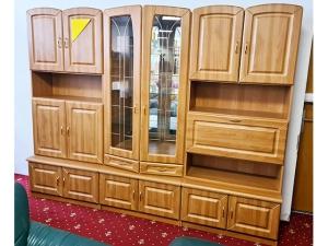 Hochwertige Wohnwand Hülsta buche mit integriertem TV-Teil und Glasvitrinen (gebraucht)