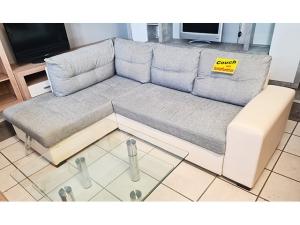 2-Sitzer Couch beige mit Blumenmuster und Kissen (gebraucht)