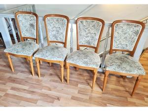 2 x Stühle gepolstert blau/silber (gebraucht)