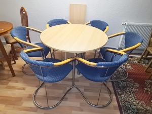 Esstisch ausziehbar buche + 4 Stühle gepolstert (gebraucht)