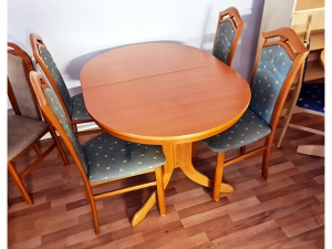 Esstisch ausziehbar kirschbaum + 4 Stühle gepolstert grün (gebraucht)
