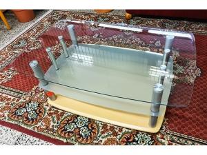 Hochwertiger Glas-Couchtisch wurzelholz-optik mit goldenem Pferd (gebraucht)