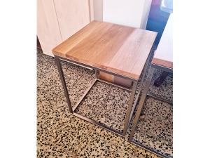 Italienische Stilmöbel - Kommode 2-türig mit zwei Schubkästen hochglanz wurzelholz-optik (gebraucht)