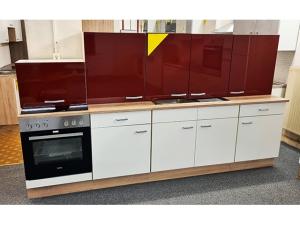 Küchenmöbel mit Spüle rot/grau (gebraucht)