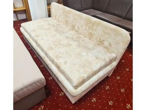 Doppelbettliege mit Matratzen und Bettkästen ocker (gebraucht)