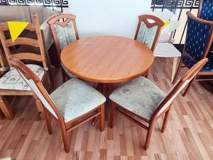 Stilmöbel Esstisch ausziehbar glänzend kirschbaum + 4 Stühle glänzend beige gepolstert (gebraucht)