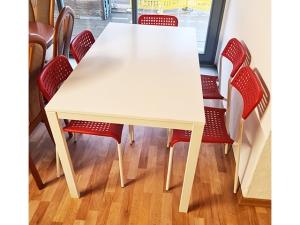 Essecke + 2 Stühle gepolstert eiche rustikal (gebraucht)